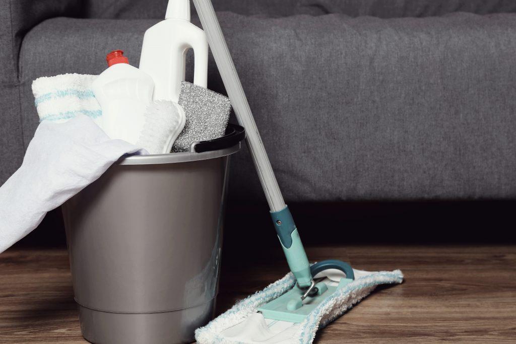 HOW TO CLEAN RUBBER FLOOR MATS, MOP THE FLOOR.